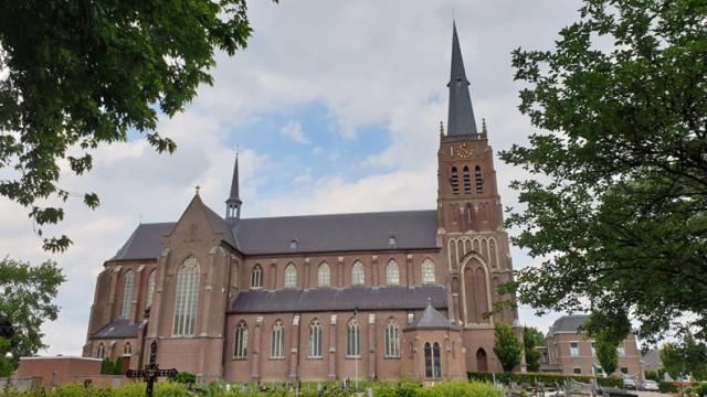 Kerk-Dreumel-zijaanzicht
